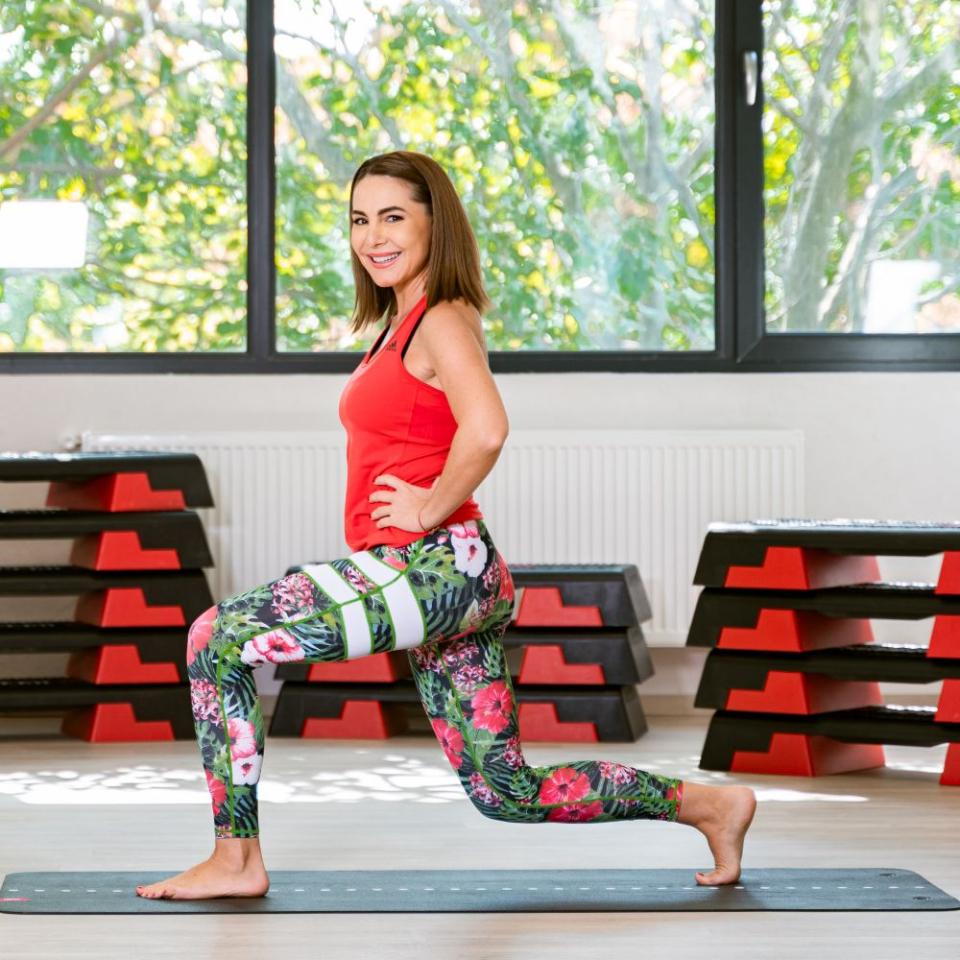 Cori Grămescu este și antrenor de pilates