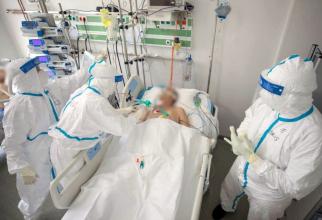 Vaccinul COVID oferă protecție ca să nu ajungeți pe patul de spital, intubat la Terapie Intensivă. Foto: RoVaccinare