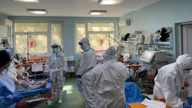 Unitatea de Primiri Urgențe de la Spitalul Sf Pantelimon din București e plină. Foto. RoVaccinare