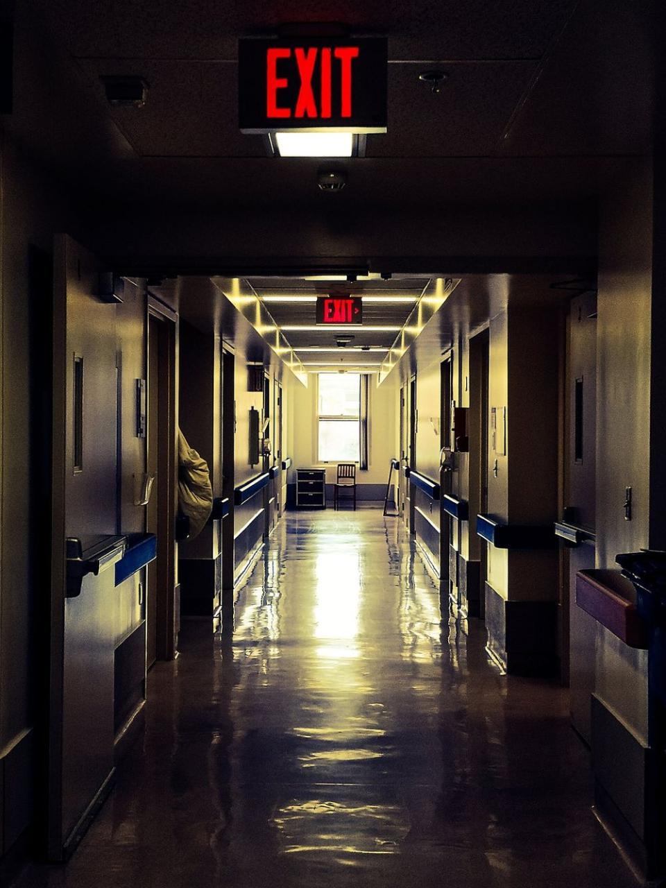 Pacienții cu afecțiuni cronice, puși în pericol de decizia autorităților de a închide spitalele. Foto: Pixabay